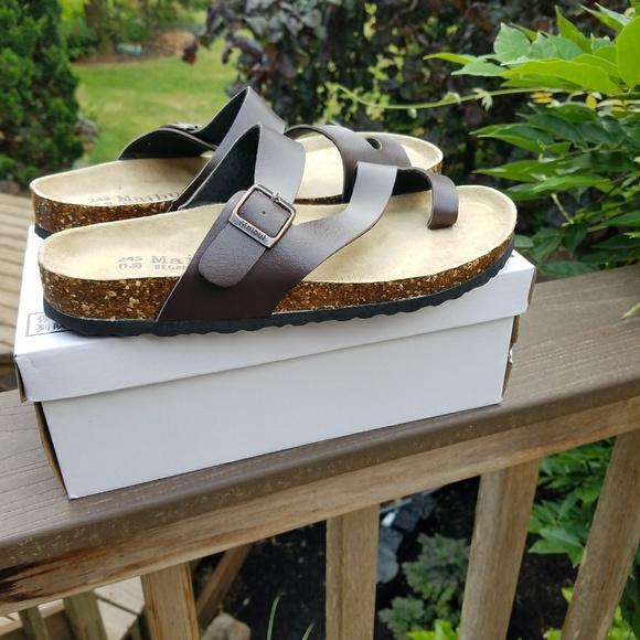 0ba20f6c5f7 Brown Cross Strap Sandals NWB